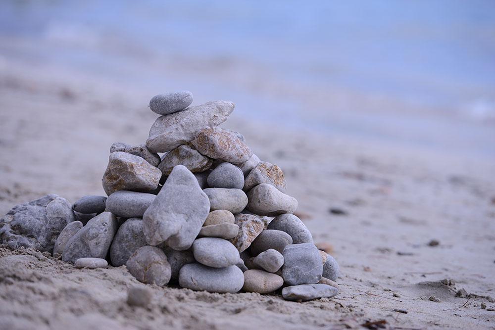 Камменная-башня-на-песке