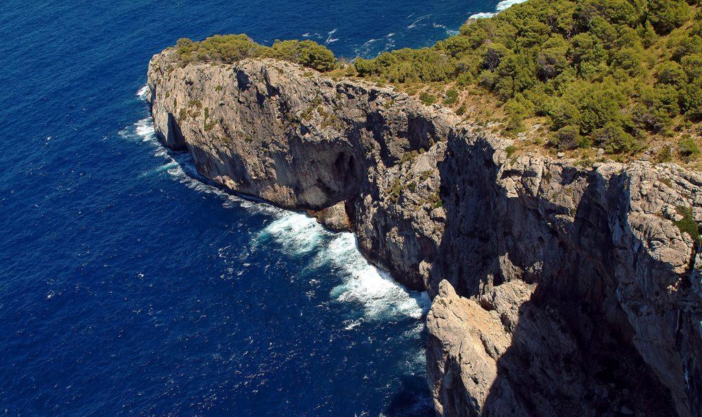 Майорка-море-скалы